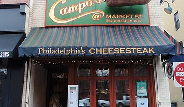 Photo of Dónde comer y gastronomía en Filadelfia (Estados Unidos) – Restaurante delicatessen Campo's Deli Philly Cheese Steak.