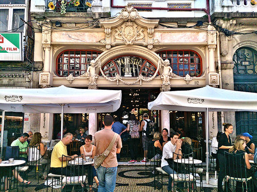 Dónde comer y gastronomía en Oporto (Portugal) - Majestic Café Oporto. ViajerosAlBlog.com