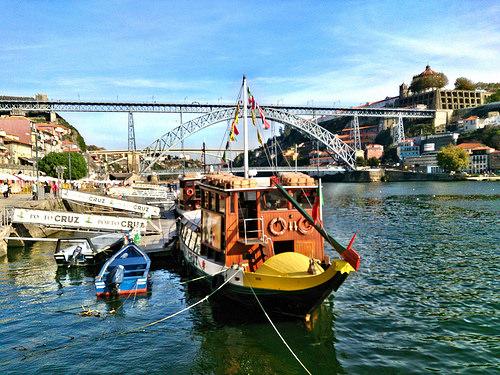Vino de Oporto y Vila Nova de Gaia: bodegas, rabelos, teleférico, Puente Don Luis I, y visita a Bodega Ferreira. ViajerosAlBlog.com