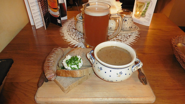 Donde comer y gastronomía en Varsovia (Polonia) - Restaurante polaco Zapiecek. ViajerosAlBlog.com