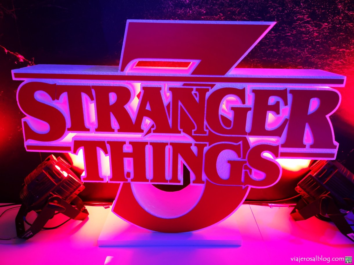 Exposición Stranger Things 3. Telefónica Flagship Store Madrid.