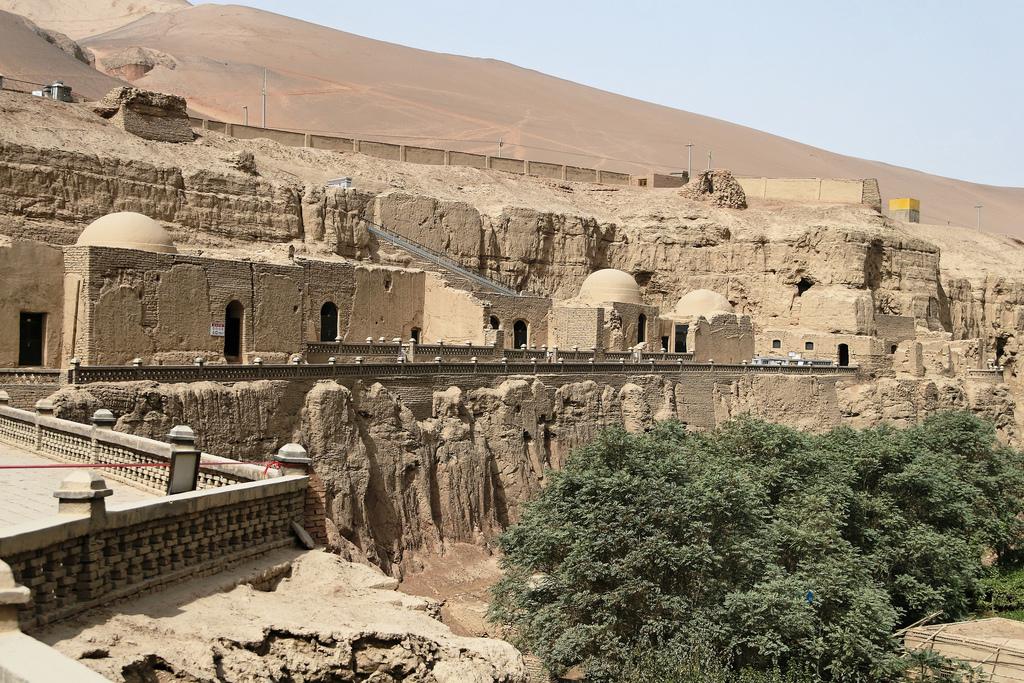 Grutas de Dunhuang - Pasajes ocultos, textos secretos y ladrones de oro 5