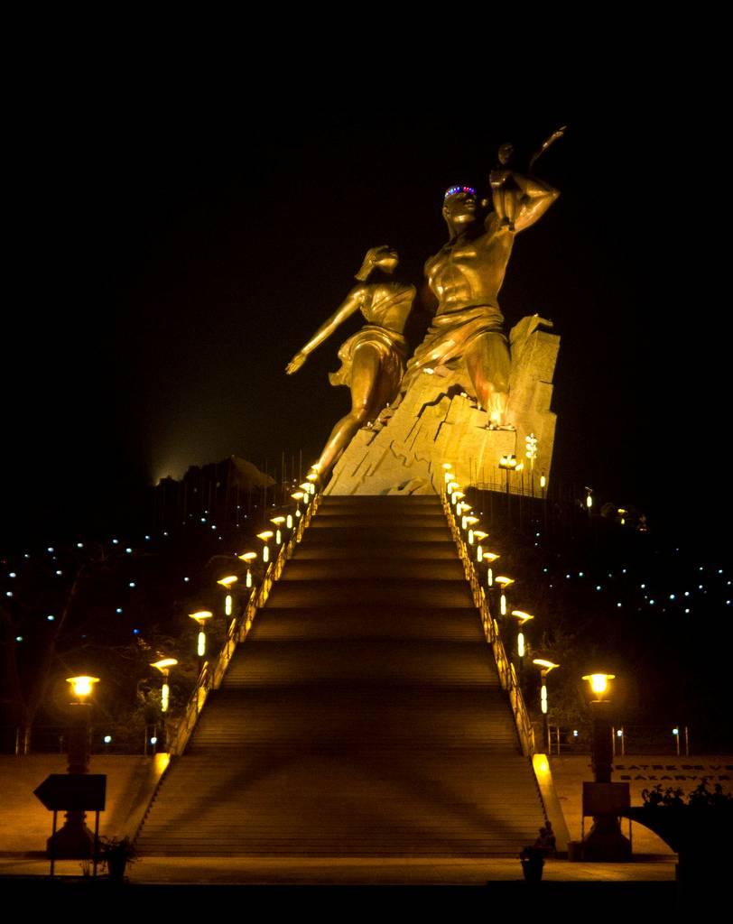 Monumento al Renacimiento Africano - Dakar, Senegal, África - 14