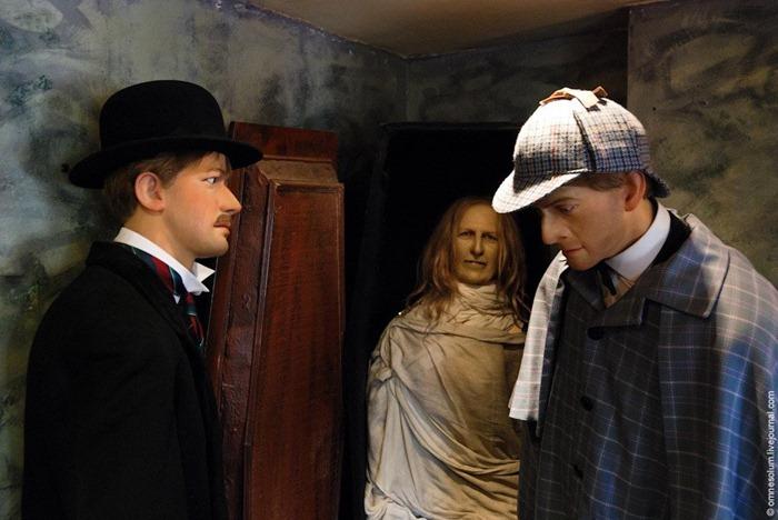 Holmes y Watson rescataron a una mujer de una muerte dolorosa
