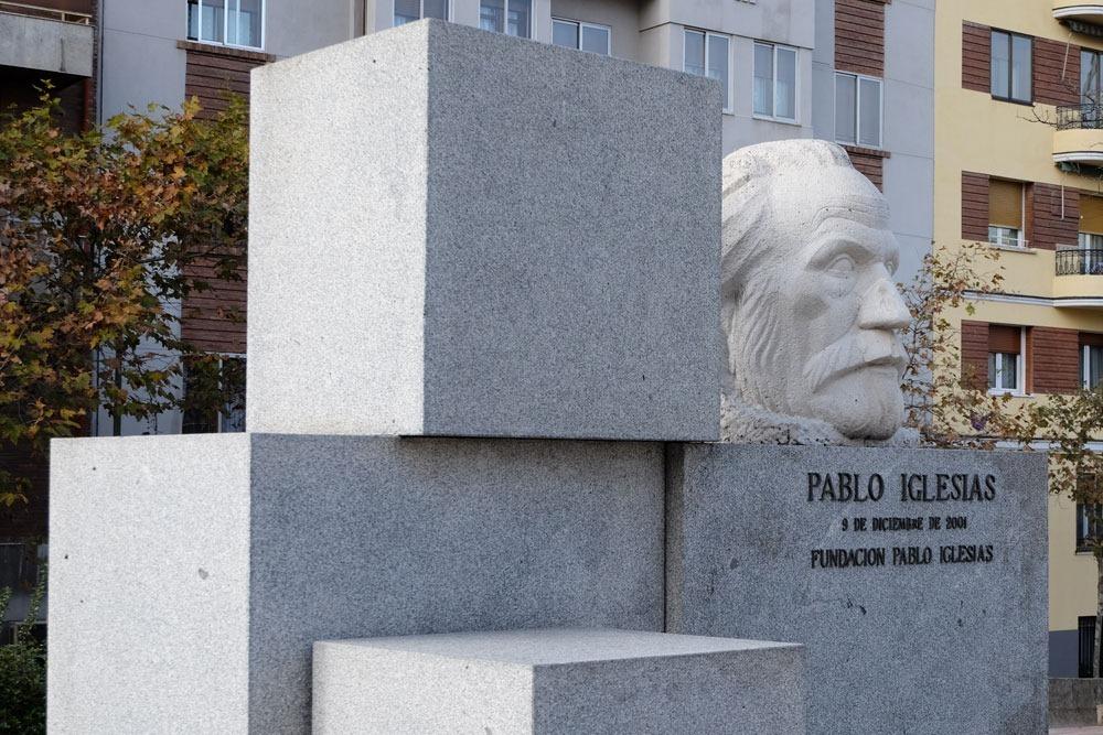 El Indestructible busto de Pablo Iglesias 3