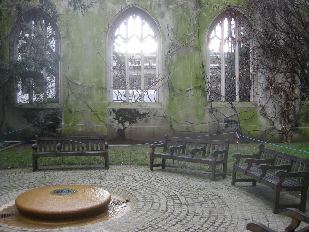 St Dunstan in the East Garden