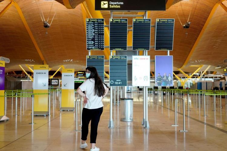 Aeropuertos vacíos por el coronavirus