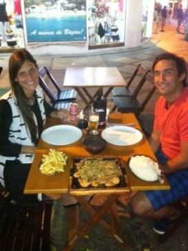 cenando en el centro de Buzios