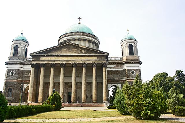 Fachada basílica y catedral Esztergom