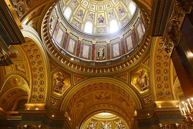 Cúpula neorrenacentista Basílica San Esteban Budapest