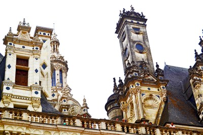 Decoración superior piedra torres balcones ornamentos castillo Chambord