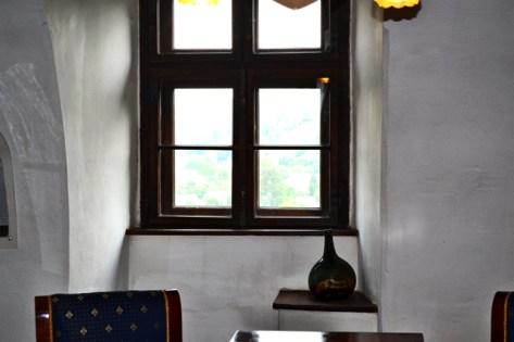 Ventana mobiliario interior Castillo Bran Drácula Rumanía