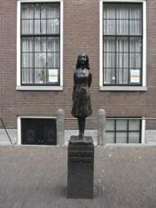 Escultura Ana Frank Amsterdam