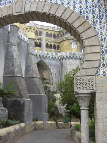 Arco piedra entrada Palacio da Pena Sintra