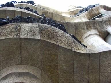 Picado balconada piedra modernismo La Pedrera Antoni Gaudí Paso de Gracia Barcelona