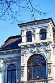 Fachada modernista edificio centro histórico Oldenburg Alemania