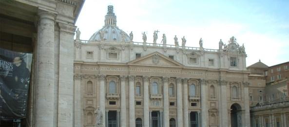 Fachada Basílica San Pedro Roma