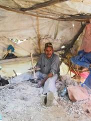 Marroquí bereber trabajo manual taladro puesto Valle Ourika