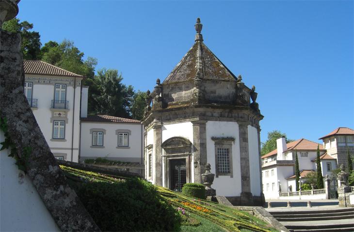Capilla exterior pasión Cristo Monasterio Bom Jesus do Monte Braga