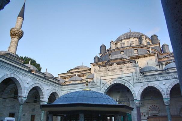 Cascada cúpulas Mezquita Azul Estambul