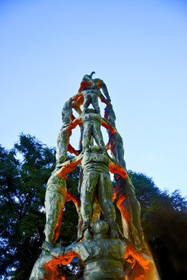 Monumento escultura castellers Rambla Nova Tarragona