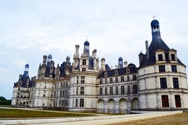 Panorámica trasera fachada piedra torres estancias torres castillo Chambord