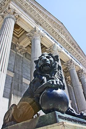 Leones escultura Congreso Diputados Madrid