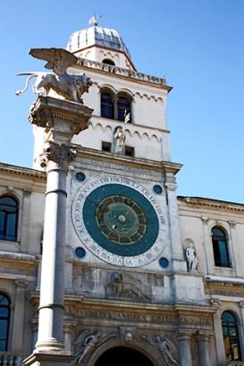 Escultura león alas fachada Palazzo dell Capitanio Padua