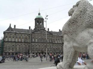 Estatua león Plaza Damm Palacio Real Amsterdam