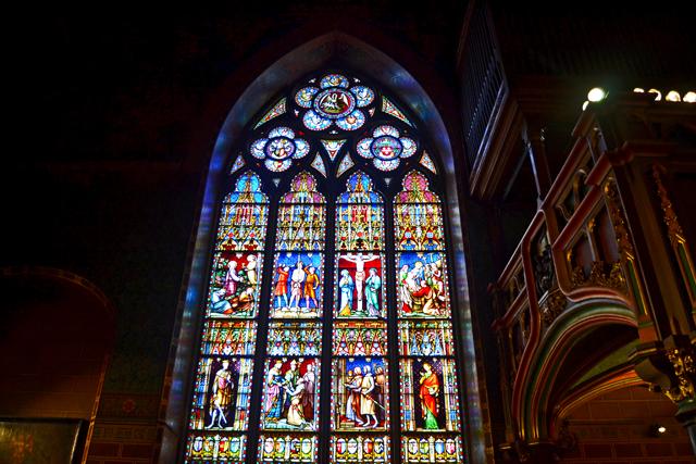 Vidrieras interiores Basílica Iglesia Derramada Brujas
