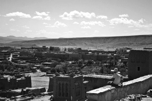 Panorámica blanco y negro kasba Ksar de Ait Ben Hadu Ouarzazat Marruecos