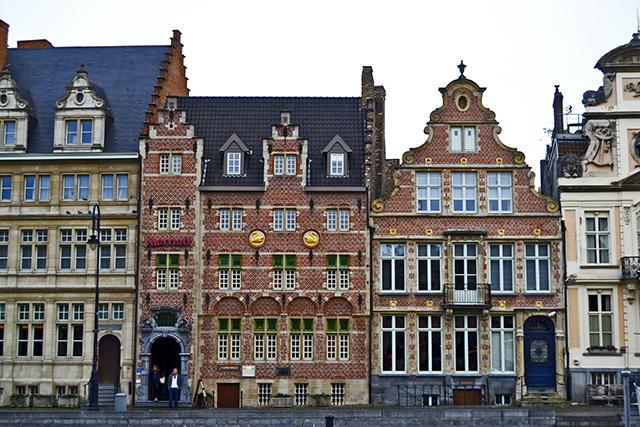 Fachadas neoclásicas viviendas siglo XVIII Gante Bélgica