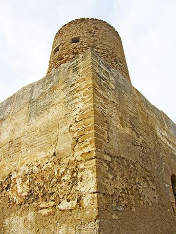 Torre defensiva piedra Castillo Capdepera Mallorca