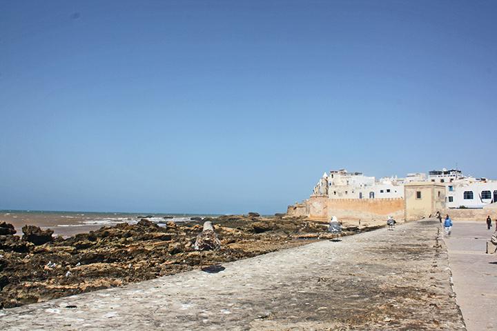 Paseo playa gaviotas Atlántico puerto Essaouira