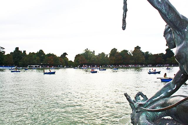 Lago barcas Parque El Retiro Madrid