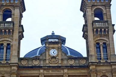 Torres reloj clásico eclectico ayuntamiento Casa Consistorial Donostia San Sebastián