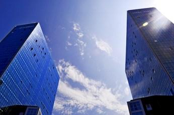 Panorámica rascacielos azules cielo Bilbao