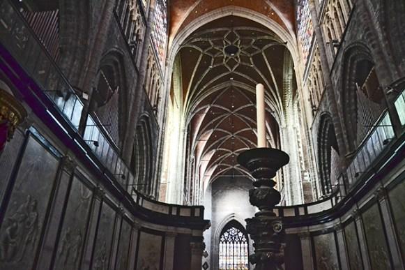 Interior bóveda Catedral gótica San Bavón Gante