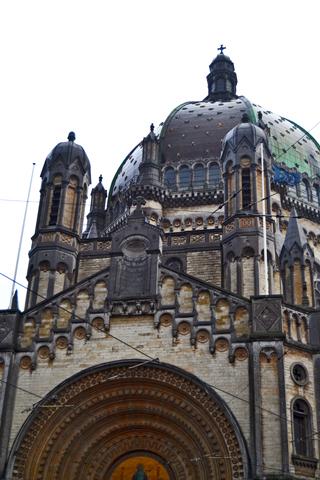 Fachada modernista Iglesia Santa María Rue Royale Bruselas