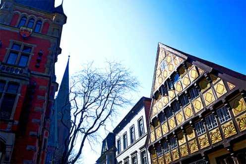 Fachadas barrocas madera colores calles centro histórico Oldenburg Alemania
