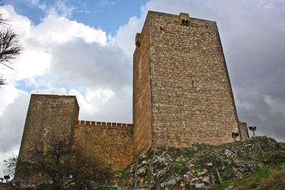 Torre piedra Castillo Santa Catalina Sierra Jabalcuz Jaén
