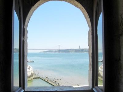 Ventana vistas Torre de Belén y río Tajo Lisboa