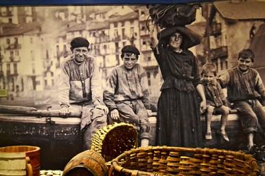 Familia tradicional Eusdkadi Museo Vasco Museo Arqueológico Bilbao