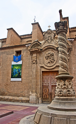 Plaza columna Iglesia San Nicolás Murcia