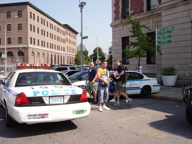Juanjook coches policía comisaría Fort Apache Bronx Nueva York