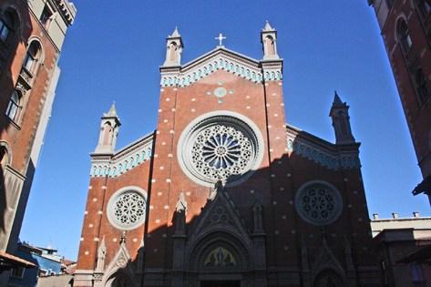 Fachada iglesia San Antonio de Padúa Istiklal Caddesi Galatasaray