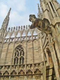 Gárgola pináculos tejados Duomo Milán