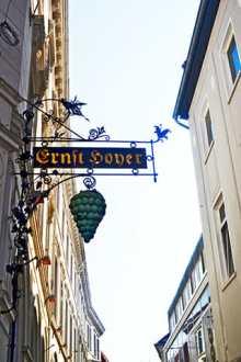Rótulo uvas barroco calles centro histórico Oldenburg Alemania