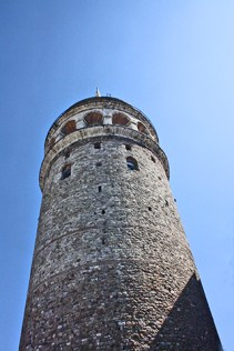 Foto contrapicado torre Galata Estambul