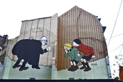 Cómic Policía niños mural fachada Bruselas